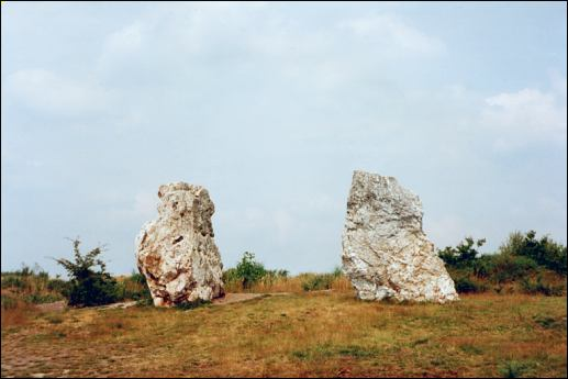 Les Desmoiselles Standing Stone, Brittany